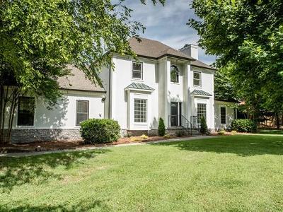 Franklin Single Family Home For Sale: 2218 Oakleaf Dr