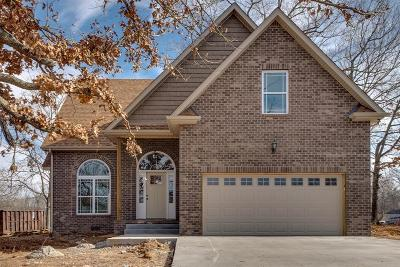 Clarksville Single Family Home For Sale: 1861 Red Fox Trail