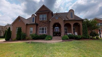 Franklin Single Family Home For Sale: 2208 Dunblane Ln