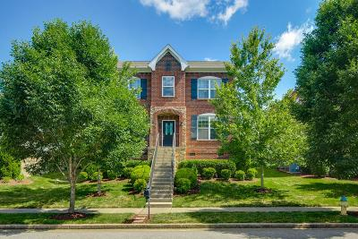 Franklin Single Family Home Active Under Contract: 330 Tippecanoe Dr