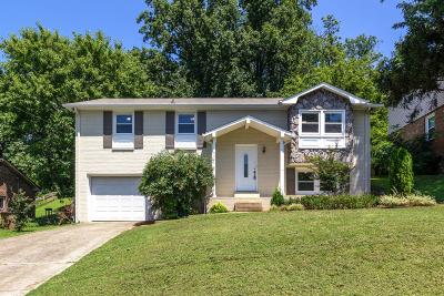 Nashville Single Family Home For Sale: 532 Tobylynn Dr