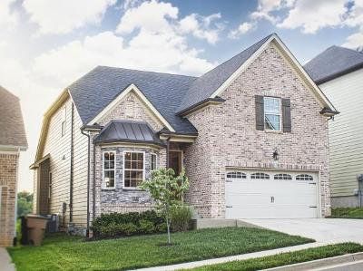 Nashville Single Family Home For Sale: 1713 Boxwood Dr