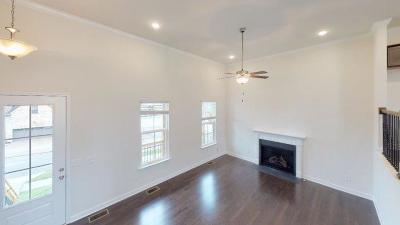 Hendersonville Single Family Home For Sale: 112 Manor Way