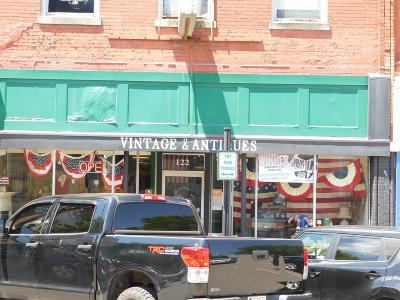 Sumner County Commercial For Sale: 122 North Water Street