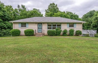 Joelton Single Family Home Active Under Contract: 5743 Eatons Creek Rd