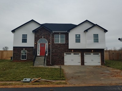 Clarksville Single Family Home For Sale: 18 Kingston's Cove