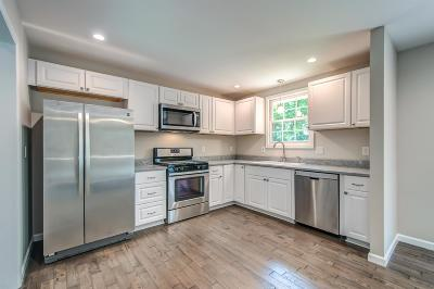 Franklin Single Family Home For Sale: 209 Oxford Drive