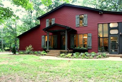 Single Family Home For Sale: 6528 Burnt Knob Rd