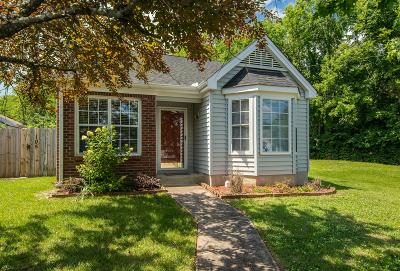 East Nashville Single Family Home Active Under Contract: 105 Poplar Ct