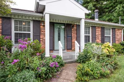 Davidson County Single Family Home For Sale: 613 Dunston Dr