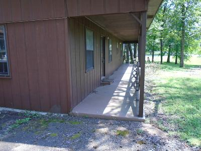 Robertson County Commercial For Sale: 104 Sycamore Rd