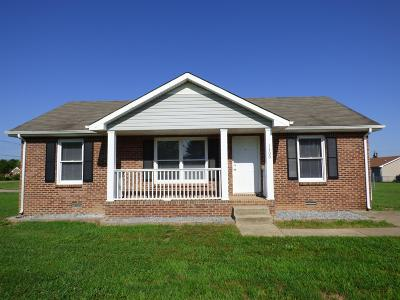 Christian County, Ky, Todd County, Ky, Montgomery County Single Family Home For Sale: 1300 Chucker Dr