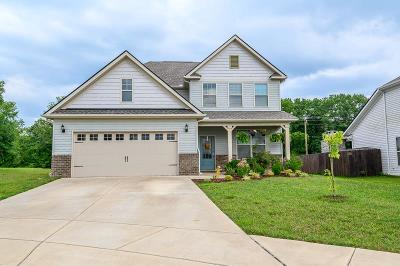 Spring Hill Single Family Home For Sale: 1022 Keeneland Dr