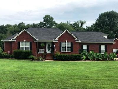 Single Family Home For Sale: 1001 Derryberry Farms Rd