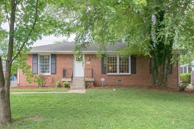 Nashville Single Family Home For Sale: 3617 Rainbow Pl