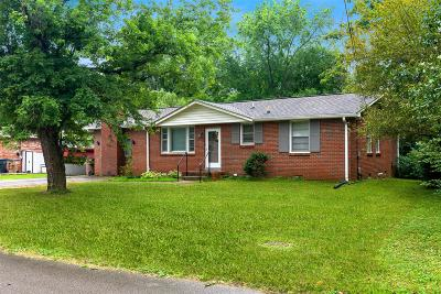 Davidson County Single Family Home For Sale: 3221 Cloverwood Dr
