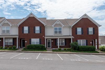 Smyrna Condo/Townhouse For Sale: 3055 Burnt Pine Dr