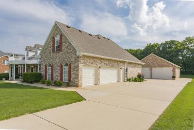 La Vergne Single Family Home For Sale: 152 Lakepointe Rd