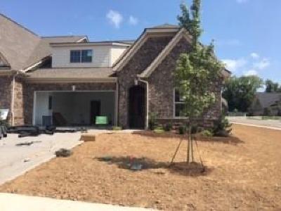 Lebanon Single Family Home For Sale: 1040 Callaway Drive #73