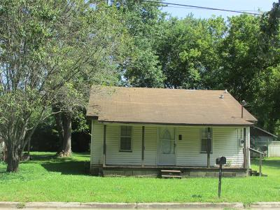 Lawrenceburg Single Family Home For Sale: 434 6th St E