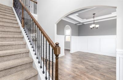 Clarksville Single Family Home For Sale: 375 West Creek Farms