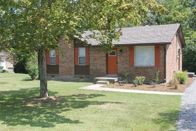 Cheatham County Single Family Home For Sale: 3186 Bell St