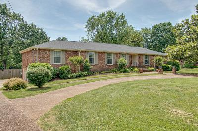 Old Hickory Single Family Home For Sale: 218 Montchanin Dr