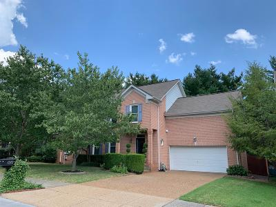 Franklin Single Family Home For Sale: 1212 Buckingham Cir