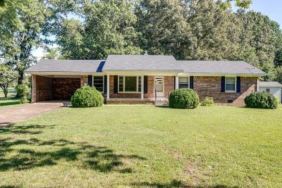 Lawrenceburg Single Family Home For Sale: 322 Good Hope Rd