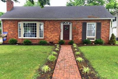Franklin, Brentwood Single Family Home For Sale: 216 South College