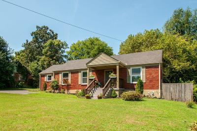 Nashville Single Family Home For Sale: 1404 Preston Dr