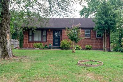 Nashville Single Family Home For Sale: 2700 Traughber Dr