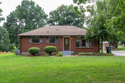 Nashville Single Family Home For Sale: 355 Leo Ln
