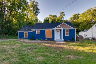 Nashville Single Family Home For Sale: 78 E Thompson Ln