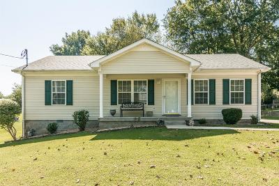 Greenbrier Single Family Home Active Under Contract: 2378 Old Greenbrier Pike