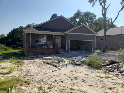 Shelbyville Single Family Home For Sale: 114 Bluegrass Dr
