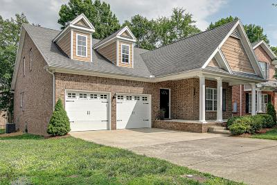 Nolensville Single Family Home For Sale: 3177 Locust Holw