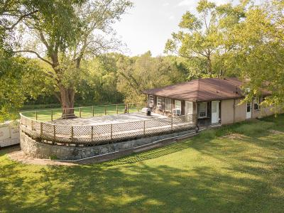 Sumner County Single Family Home For Sale: 2400 Hartsville Pike