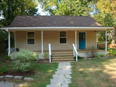 Columbia  Single Family Home For Sale: 902 Webster St