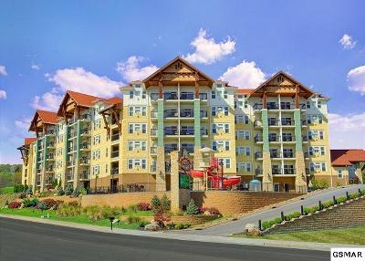 Pigeon Forge Condo/Townhouse For Sale: 3415 Teaster Lane Unit 302