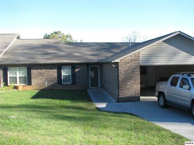 Seymour Condo/Townhouse For Sale: 331 Villa Dr