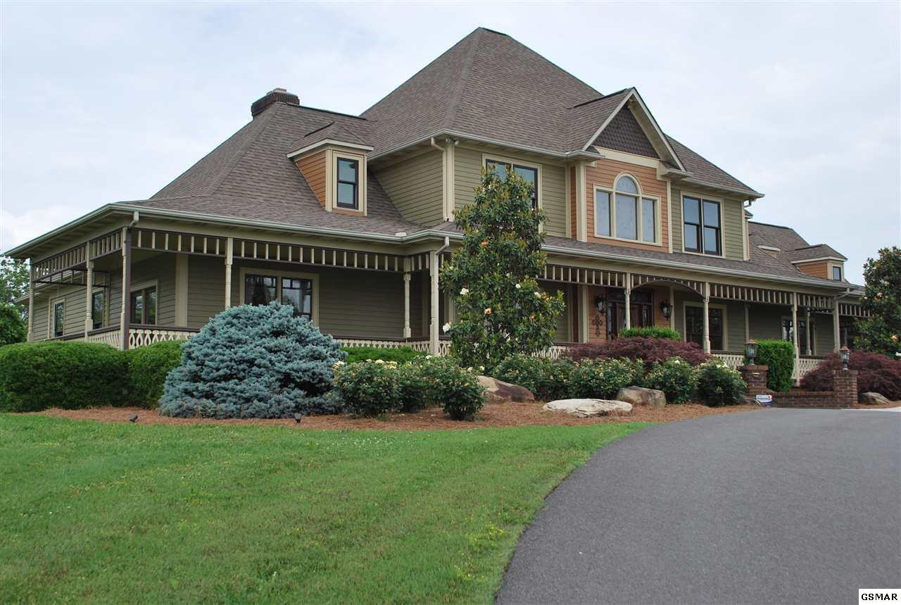 3 bed / 5 full, 1 partial baths Home in Sevierville for $849,900