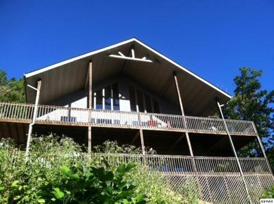 Gatlinburg TN Single Family Home For Sale: $699,000
