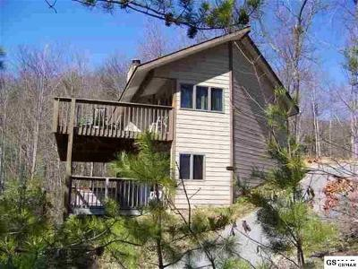 Gatlinburg Single Family Home For Sale: 903 Old Field Ridge Way