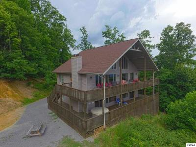 Gatlinburg TN Single Family Home For Sale: $649,900