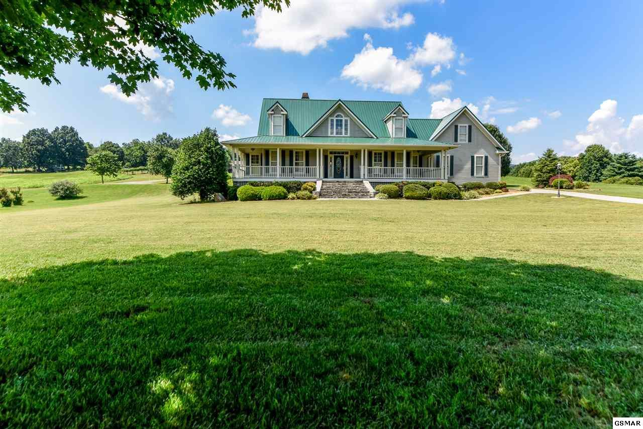 3 bed / 3 full, 1 partial baths Home in Townsend for $599,900