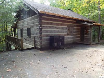 Gatlinburg TN Single Family Home For Sale: $249,900