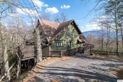 Gatlinburg TN Single Family Home Pending-Cont. To Show: $349,900