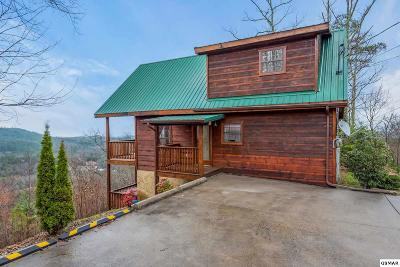 Sevierville TN Single Family Home Pending-Cont. To Show: $359,900