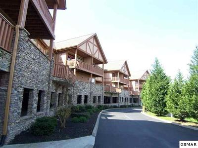 Pigeon Forge Condo/Townhouse For Sale: 830 Golf View Blvd #3110